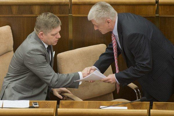 Pavlis sa rozhodol odstúpiť po rozhovore s premiérom Ficom.