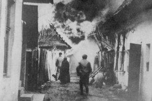 Kalište a Baláže (na snímke) tvorili centrum tzv. partizánskej republiky. Baláže vypálili 20. marca 1945.