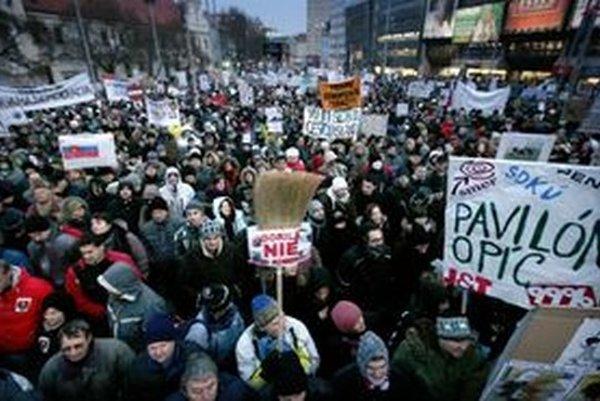 Demonštranti protestu Gorila.