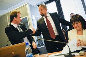 Dušan Čimo (vľavo) presvedčil viac sudcov ako Štefan Harabin (vpravo).