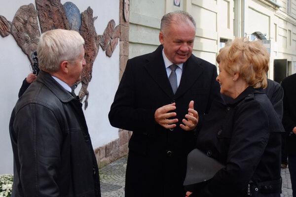 Andrej Kiska v rozhovore s primátorkou Banskej Štiavnice Nadeždou Babiakovou.