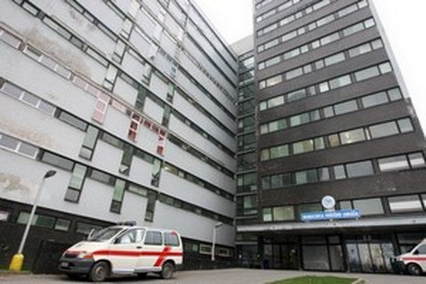 Župa ponúka na predaj galantskú nemocnicu.