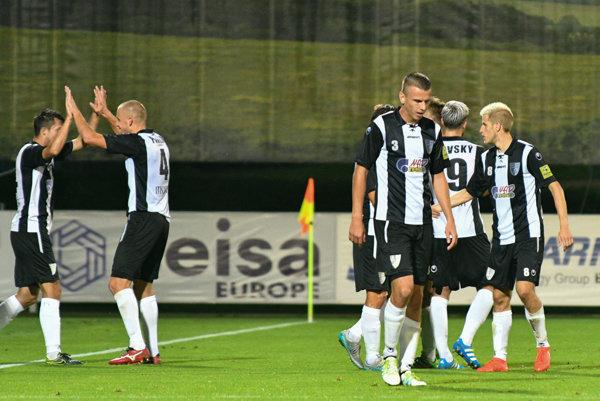 Futbalový klub Spartak Myjava nesúhlasí s pokutou 75-tisíc eur a preradím do štvrtej najvyššej ligy a proti rozhodnutiu Disciplinárnej komisie Slovenského futbalového zväzu (SFZ) podá odvolanie.