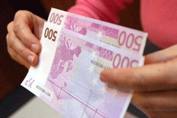 Falšovatelia peňazí môžu ísť za mreže až na desať rokov.