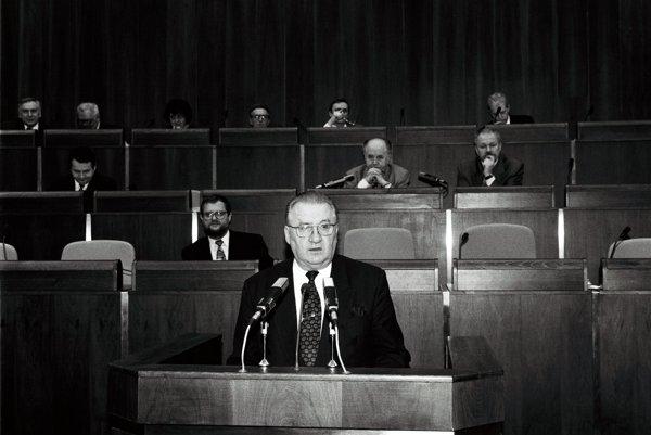 Michal Kováč v parlamente.
