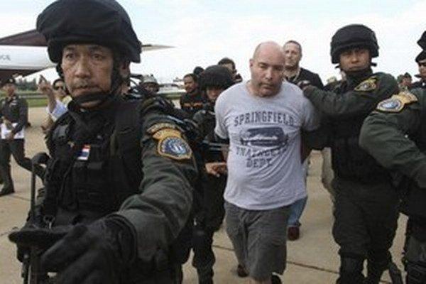 Zatknutý šéf údajnej zločineckej siete, Američan Joseph Hunter.