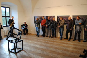Na vernisáži výstavy fotografií Jozefa Česlu. Vo Vihorlatskom múzeu vHumennom vystavuje Tajomné savany africké.