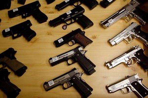 Štát chce umožniť beztrestne odovzdať zbraň.