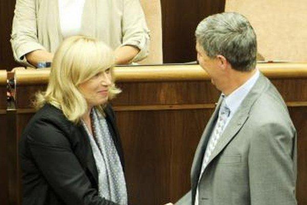 Radičová pomáha Bugárovej strane so zákonmi v sociálnej oblasti.
