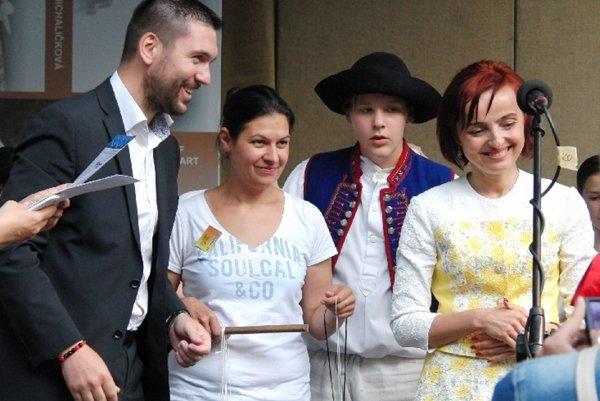 Richard Takáč (vľavo) a Katarína Macháčková (vpravo) sa nestretávajú len na podujatiach, ale aj na súde.