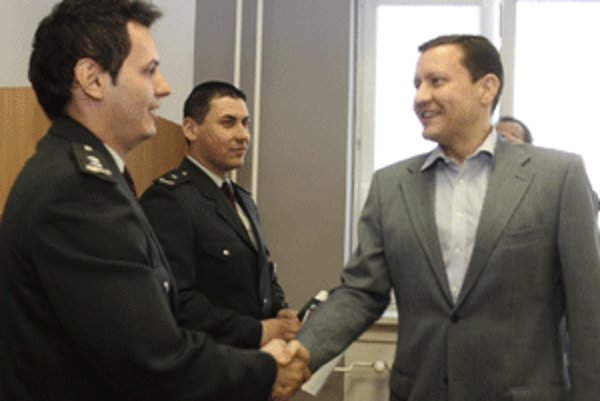 Minister Daniel Lipšic ocenil Petra Javorčeka (vľavo) a Václava Štolovského.