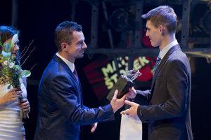 Za skvelé výsledky ho vlani ocenili v ankete Zlatý pedál, kde sa stal víťazom kategórie Talent roka.