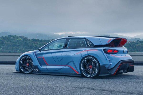 Koncepčný automobil Hyundai RN30. Štúdiu RN30, ktorá je predobrazom nových modelov s doplnkovým označením N, poháňa dvojlitrový motor s maximálnym výkonom 280 kW.