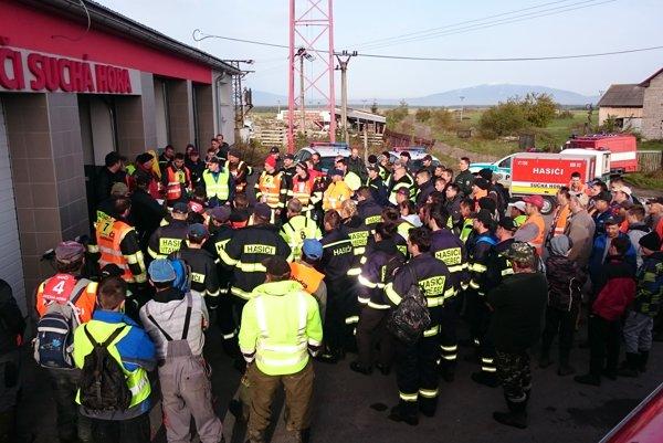 Časť dobrovoľníkov, ktorí hľadali nezvestného Ľubomíra Janča.