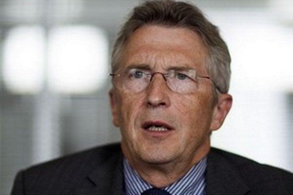 Ivan Šimko (59) začal politickú kariéru už v roku 1990, keď zakladal KDH. Bol jeho podpredsedom, ministrom spravodlivosti, vicepremiérom a neskôr ministrom vnútra a obrany za SDKÚ. Zakladal Slobodné fórum, ktoré opustil, keď ho nezvolili za predse