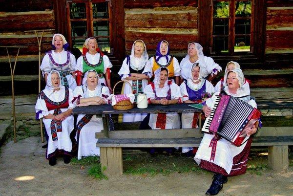 Ženská spevácka skupina Hradisko.