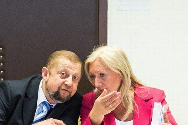 Štefan Harabin a jeho právna zástupkyňa.