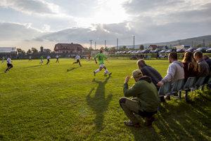 Futbalový zápas býva na dedine väčšinou udalosťou týždňa.