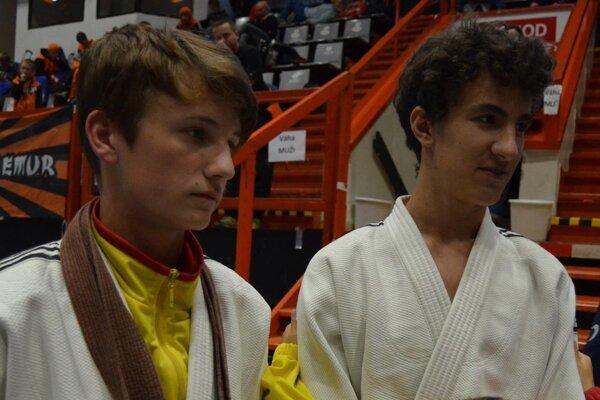 Oddieloví kolegovia - Matej Halaj (vľavo) s Nikolasom Kočišom.