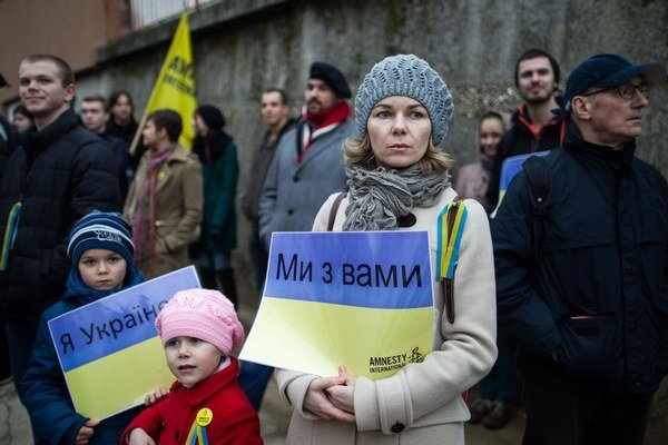 Sme s vami, odkázali Slováci a Ukrajinci žijúci u nás tým, ktorí sa postavili proti Janukovyčovi.