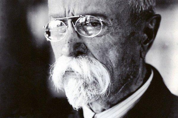 Po Masarykovi všetci prezidenti s výnimkou Havla funkciu degradovali, mieni historik Ivan Kamenec.