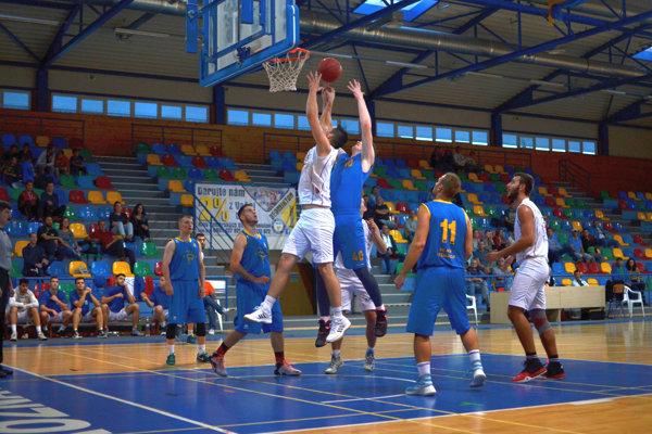 Basketbalisti ŠPD Rožňava postúpili do druhého kola Slovenského pohára. Najbližšiu sobotu budú doma hostiť Žiar n/H.