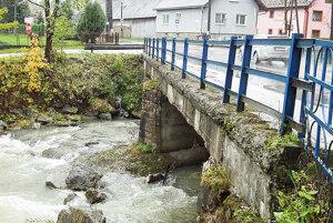 Aj tento most vo Vitanovej je súčasťou rozsiahleho slovensko-poľského projektu.