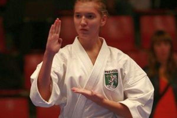 Nina Chovancová finále kumite pre zranenie nedokončila.