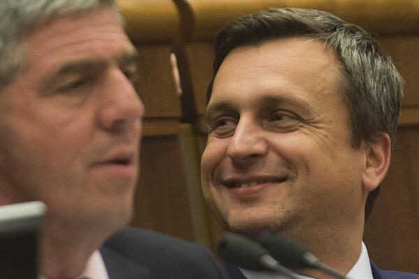 Spokojný predseda parlamentu.