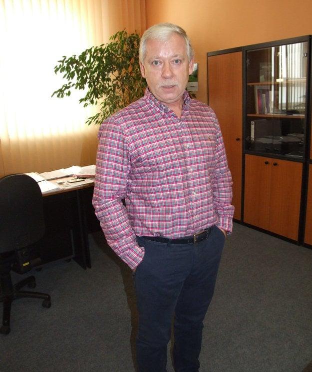 Jozef Valocký vo svojej pracovni v nemocnici.