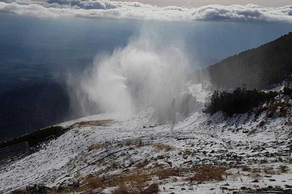 Vo Vysokých Tatrách už zasnežujú.