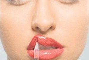 Včne živá túžba po kráse privádza nejednu ženu na kliniku estetickej medicíny.