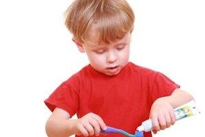 Zubná erózia hrozí aj deťom, ich mliečne zuby sú na eróziu dokonca náchylnejšie ako trvalé. Okrem toho, že im obmedzíte pitie rôznych bublinkových nápojov, dbajte aj o dôkladnu hygienu zubov.