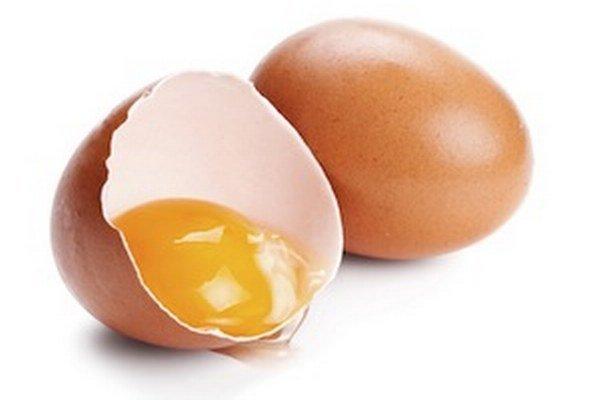 Bohatým a asi najznámejším zdrojom síry sú vajíčka.