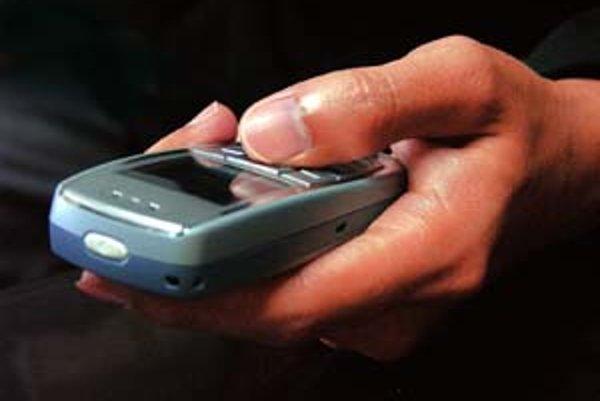 Chorí nedokážu často  ani manipulovať s mobilom.