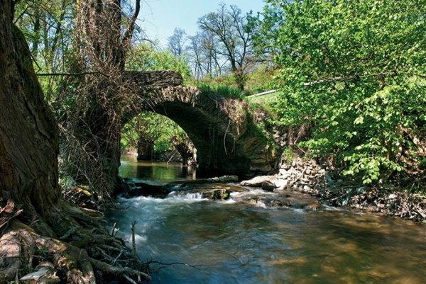 Kamenný most v Hnúšti.
