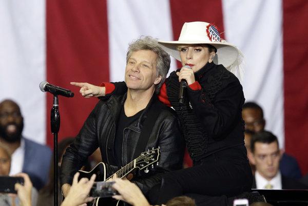 Bon Jovi a Lady Gaga počas kampane pre Hillary Clintonovú.