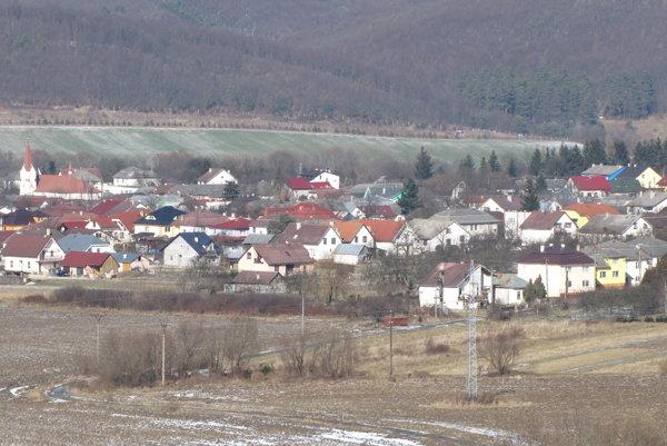 Belá nad Cirochou. Pohľad na obec.
