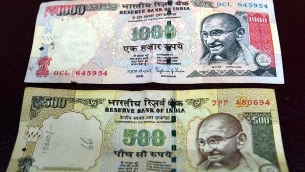 Neplatné indické bankovky.