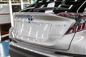 Toyota spustila výrobu crossoveru C-HR