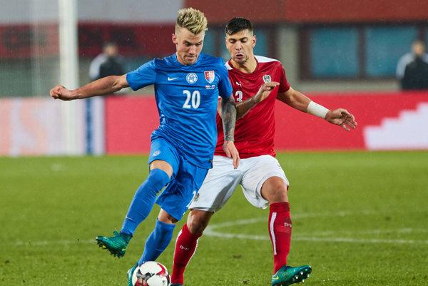 Albert Rusnák (s číslom 20) nastúpil premiérovo v drese seniorskej futbalovej reprezentácie.
