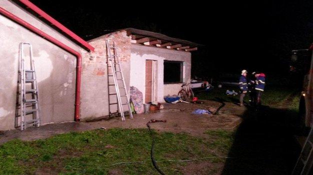 Zhorela strecha a dve miestnosti.