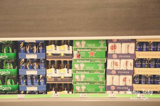V samoobsluhe tvrdý alkohol nenájdete, pivo však ponúka celkom slušný výber.