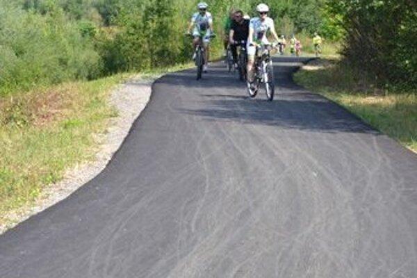 ŽSK postupne asfaltuje aj cyklotrasy.