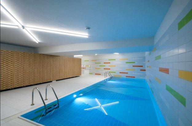 Bazén v interiéri Škôlky Guliver.