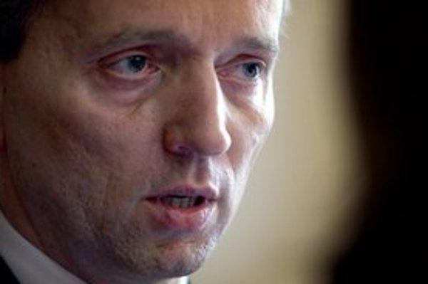 Čentéš čakal na rozhodnutie hlavy štátu od 17. júna 2011.