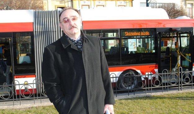 Peter Janus prebral v Plzni nové trolejbusy.