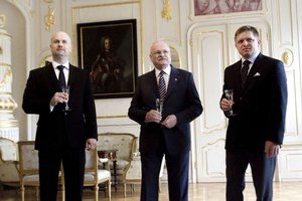 Bývalý riaditeľ JAVYS–u a súčasný šéf SIS Ján Valko (vľavo) si chce užiť obdobie pokoja. Prešľapy nástupcov nekomentuje.