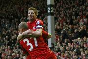 Steven Gerrard a Martin Škrtel.