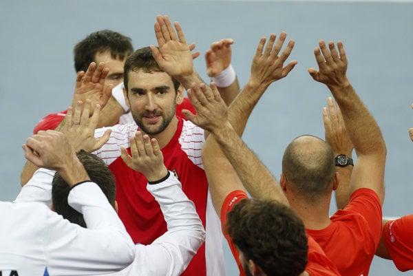 Chorváti zvládli sobotnú štvorhru a vo finále Davis Cupu vedú 2:1.